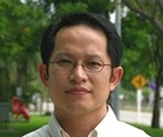 Dr Wonnop Visessanguan, director of food biotechnology research unit, Prince of Songkla University and Chulalongkorn University, received Research Award 2012 from National Research Council of Thailand (NRCT) for his research project