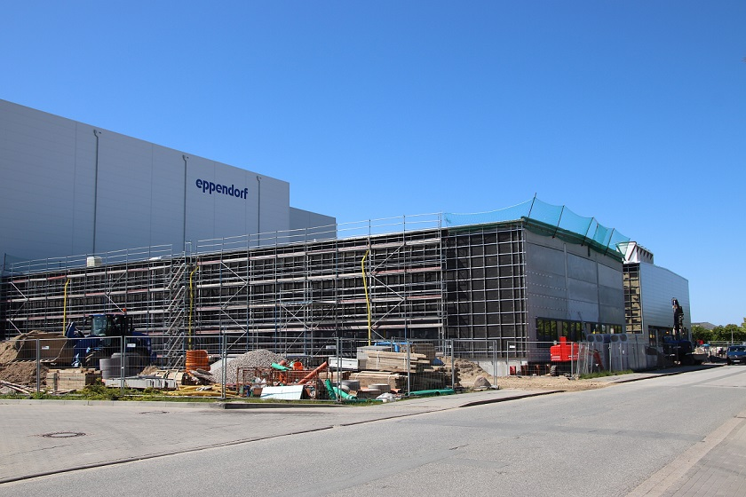 Image Caption: The new production hall from Eppendorf in Oldenburg i. H., Germany